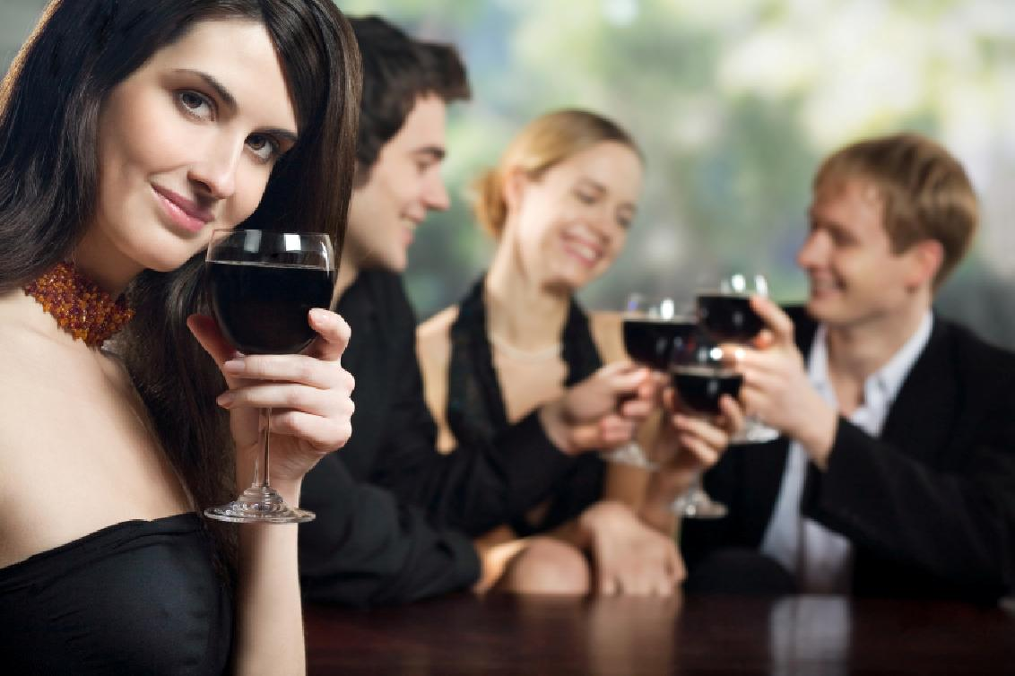UH Entrepreneurs offering a wine tasting party